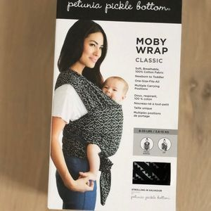 New in box Moby wrap classic-strolling in Salvador